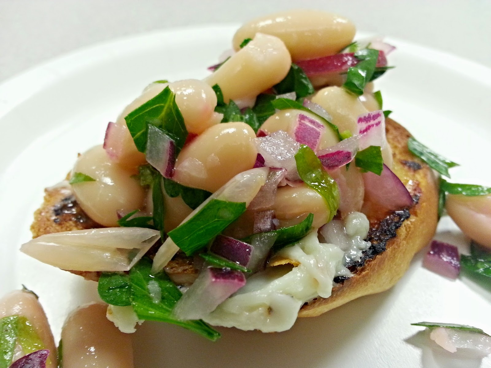 TreasureValleyChef.com White Bean Bruschetta