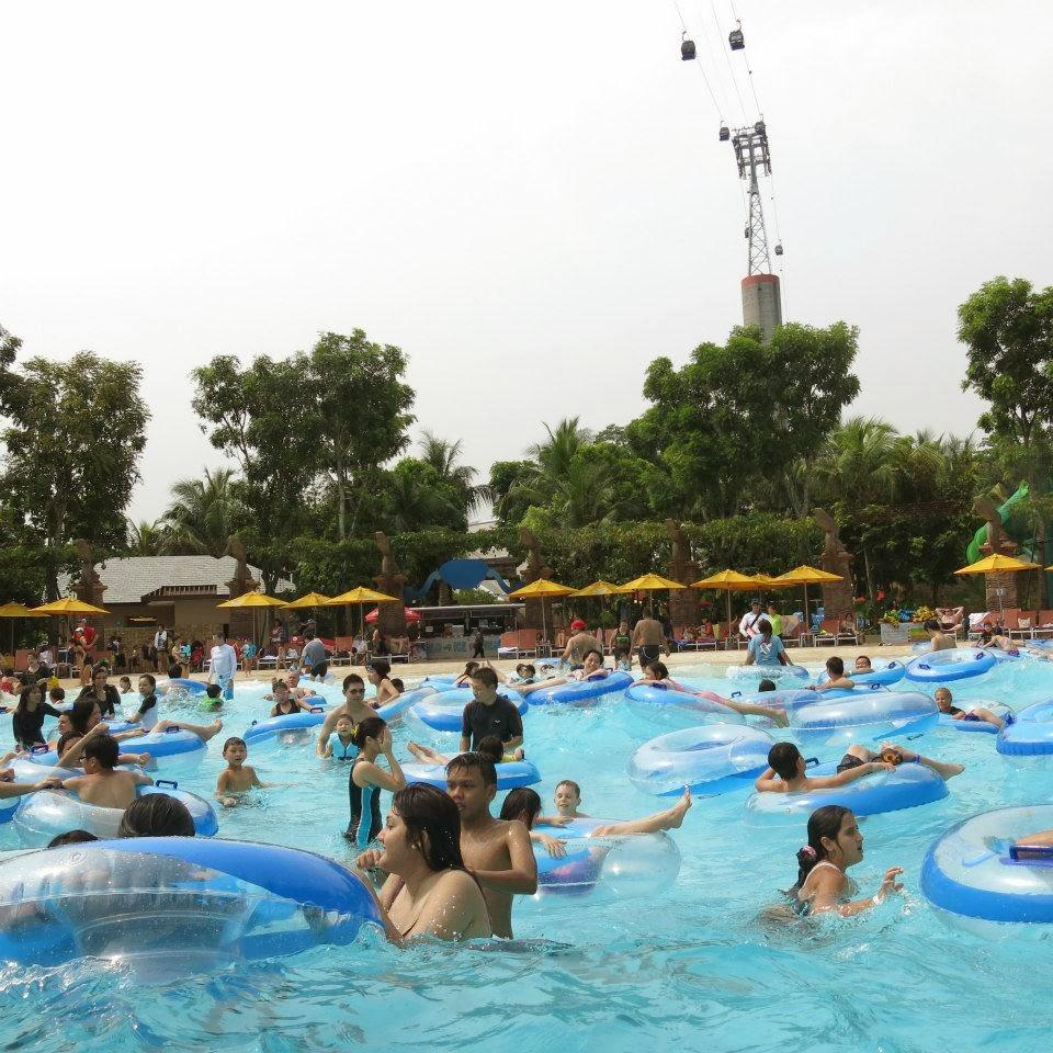Missyimply Adventure Cove Resorts World Sentosa Singapore Et Tiket Park Waterpark Bluwater Bay Giant Wave Pool