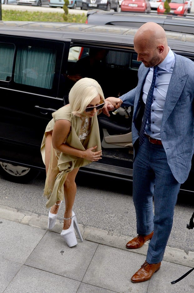 Lady Gaga is unbalanced em Istambul, Turkey na