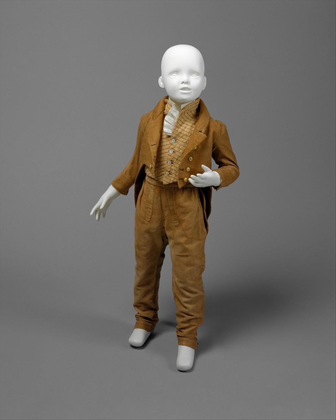 Costume de petit garçon élégant