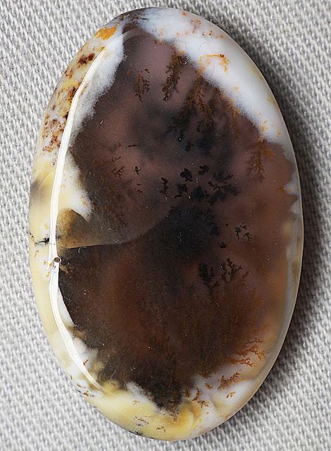 Batu permata Dendrite Opal