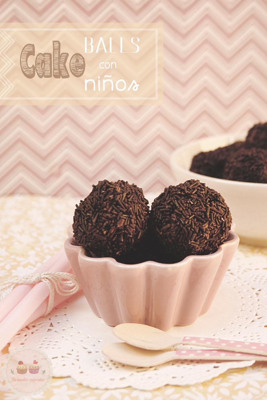 http://www.tumediocupcake.blogspot.com.es/2014/03/cake-balls-receta-con-ninos.html