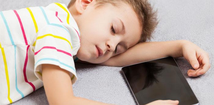 4 Cara Tidur Lebih Cepat dan Nyenyak dengan Bantuan Smartphone