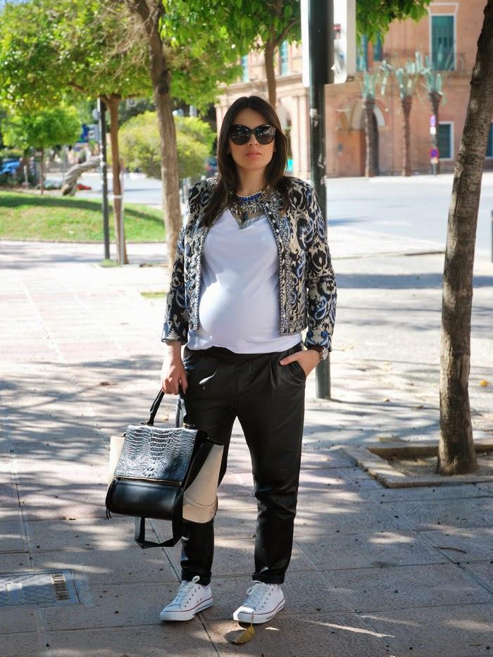 Blanco Toques Con De Outfit Blog Todoloquemellama Negro Y Azul 5OgqTq