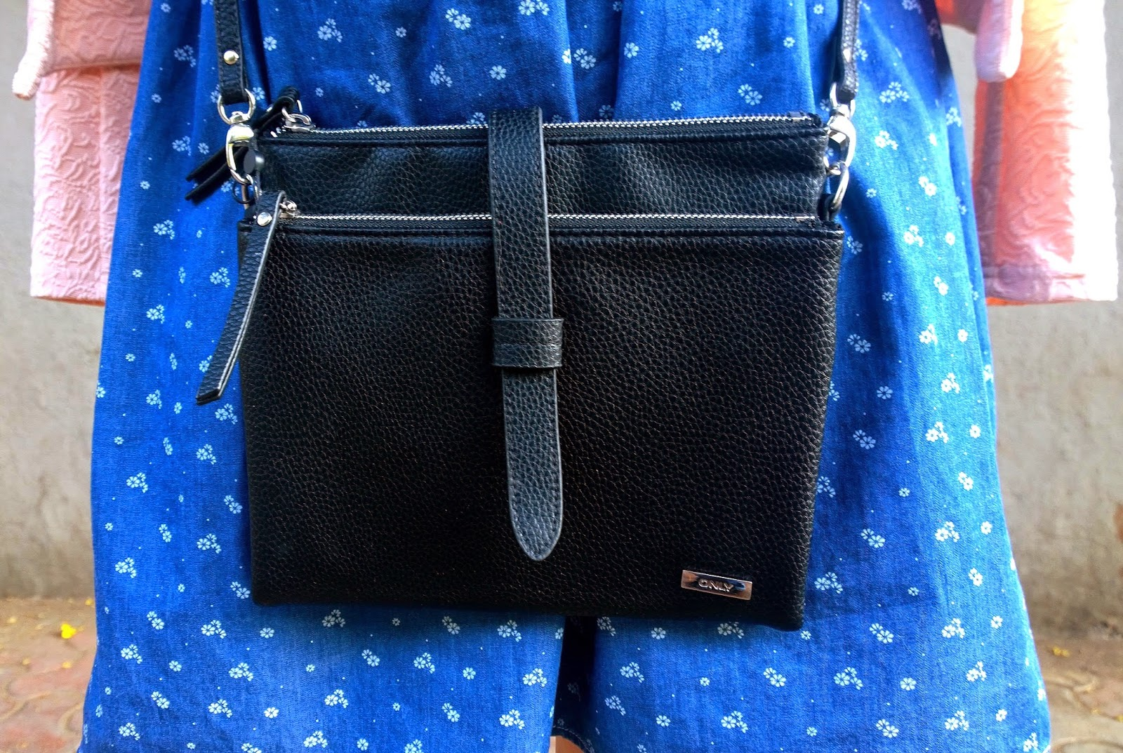 ONLY black zipper cross body bag
