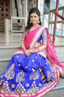 Sri Mukhi latest gorgeous looking Pictures 041