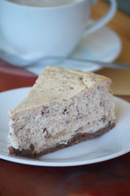 Sernik z czekoladą (straciatella)