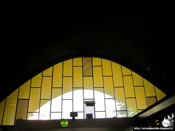 Royan - Marché central - Marché couvert  Architectes: Louis Simon, André Morisseau  Ingénieurs: Bernard Lafaille, René Sarger  Projet / Construction: 1946 - 1956