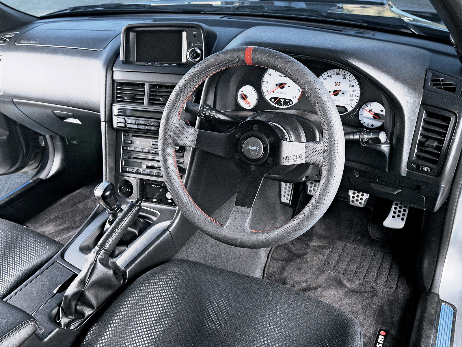 Cars and only Cars nissan skyline gtr r34 interior images