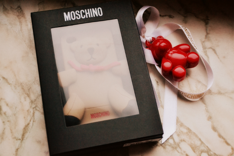 bag moschino bear brand label