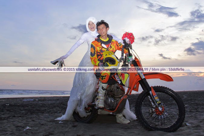 Koleksi Foto Prewedding USNI & AFRI berikut aplikasi ANDROIDnya ada disini : http://goo.gl/rwPGW2