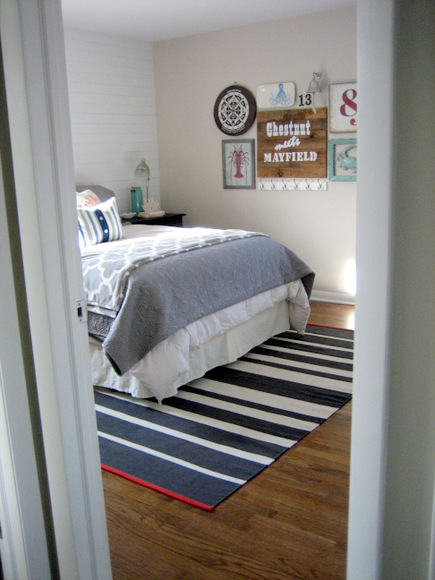 easy nautical gallery wall