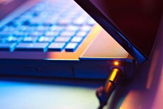"""6 mẹo """"vàng"""" dùng và bảo quản pin điện thoại, tablet, laptop"""