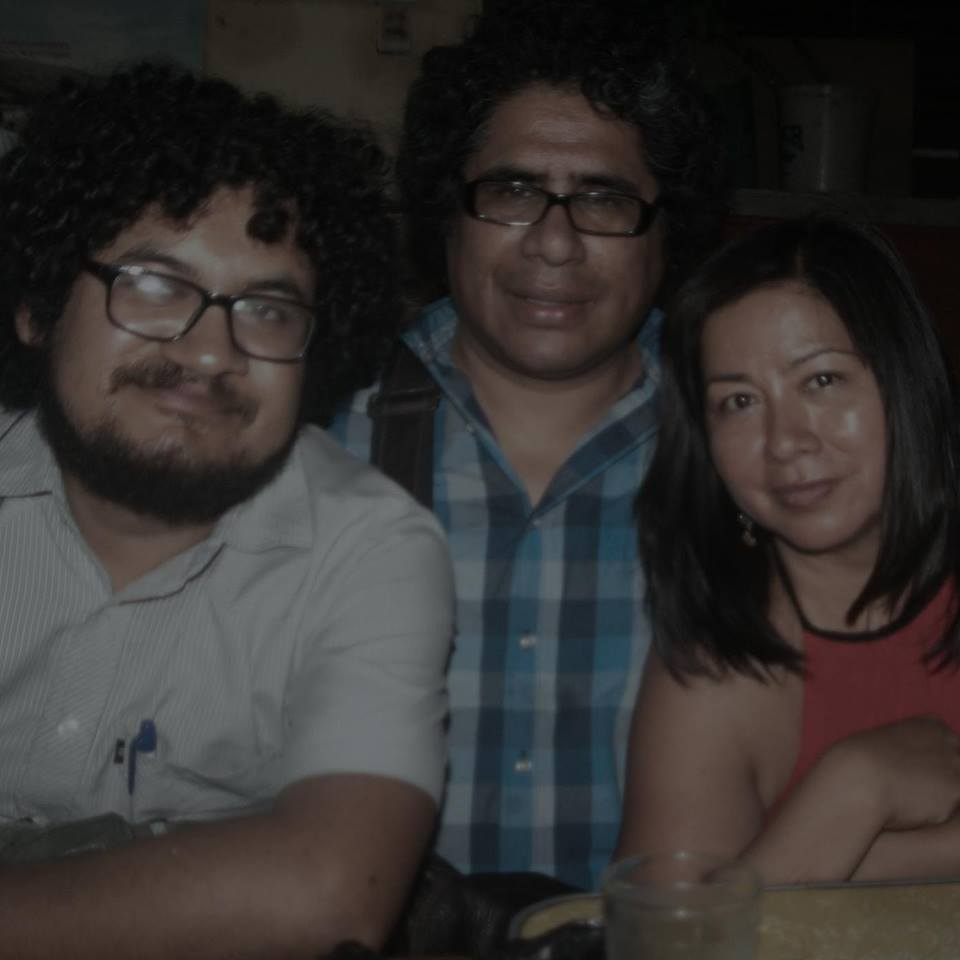 Con los poetas Johnny Barbieri y Henry Martín Córdova.