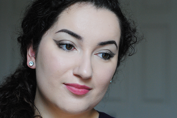 http://www.beauteabar.com/blog/guest-post-a-very-vapour-makeup-tutorial/