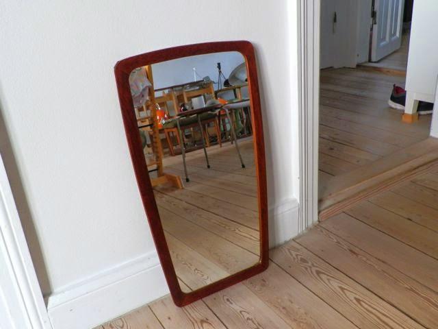Retro furniture: teaktræ spejl
