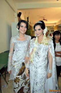 kebaya pengantin artis Zaskia Sungkar Shireen Sungkar