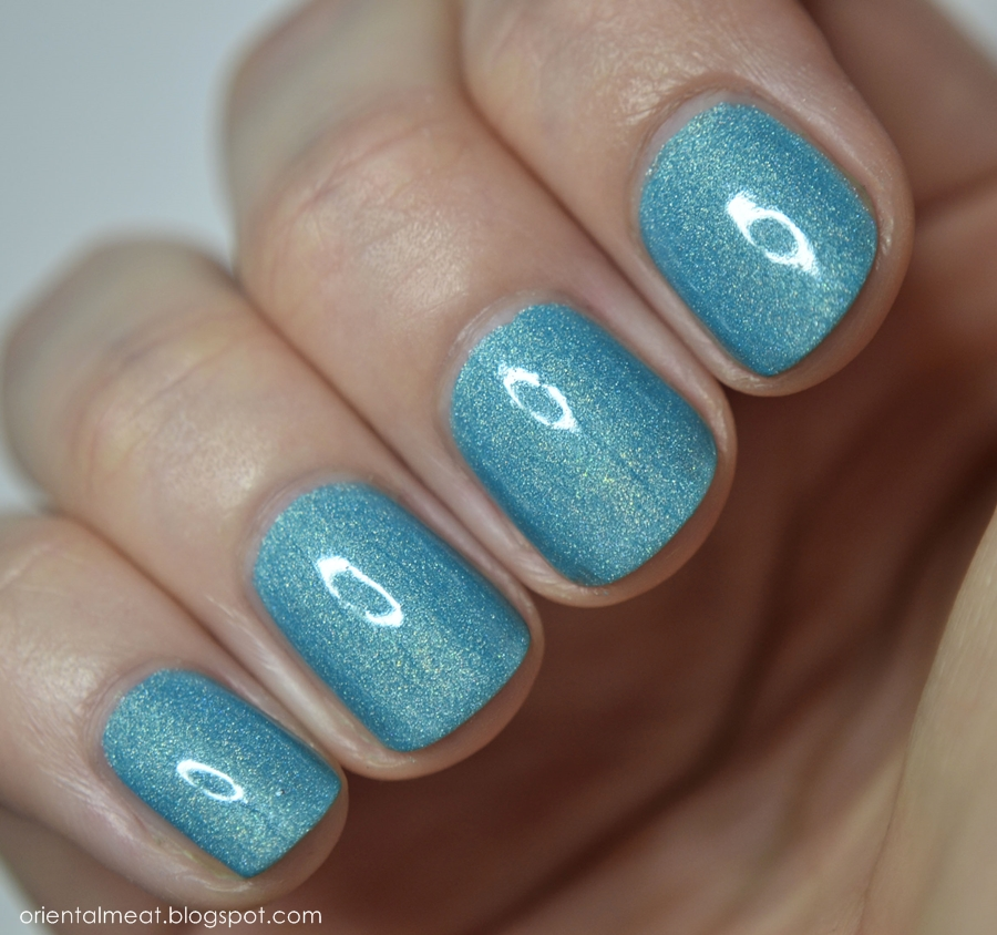 Color Alike-Niebieskie migdały
