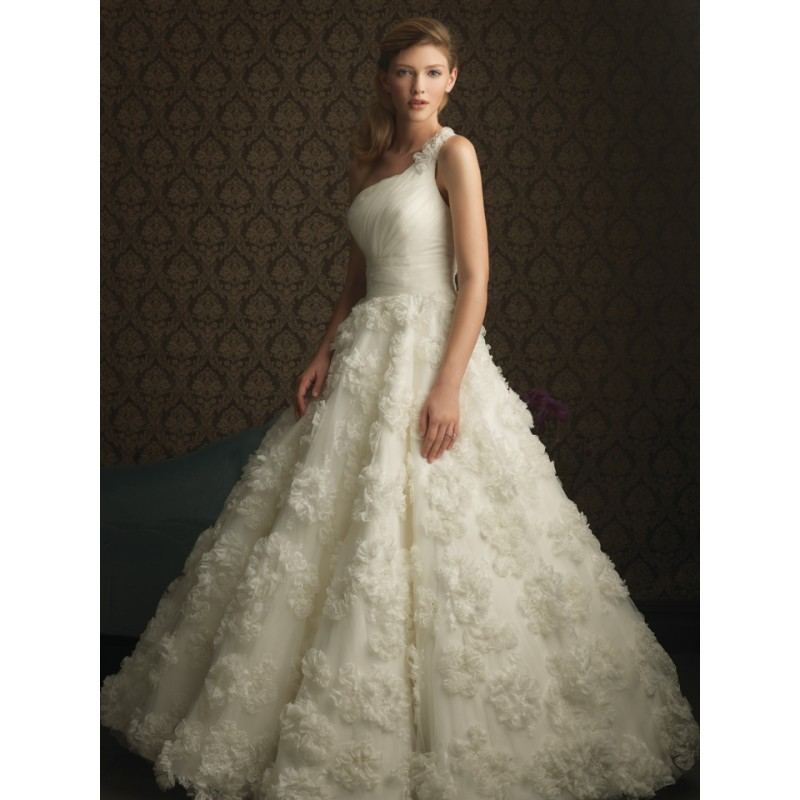 Ballroom Weddings Pic: Ballroom Wedding Gowns