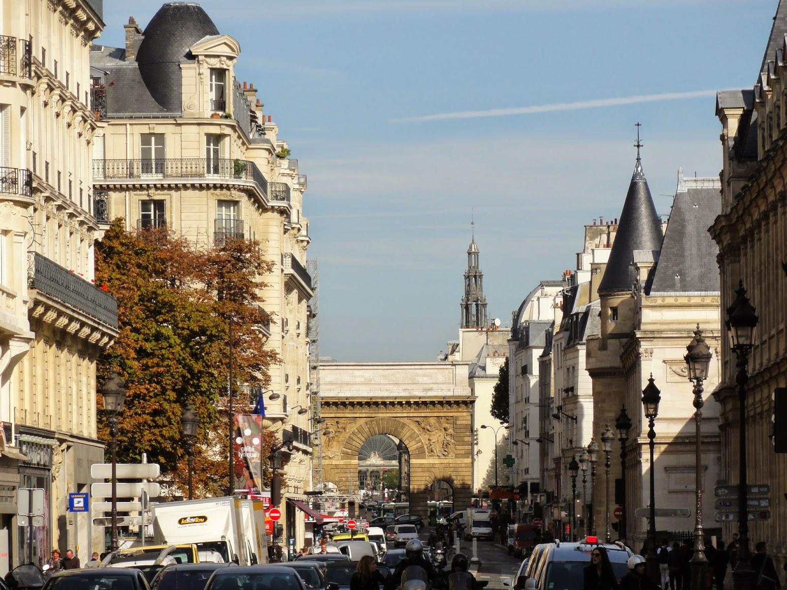 Paris historic walks for Porte saint martin