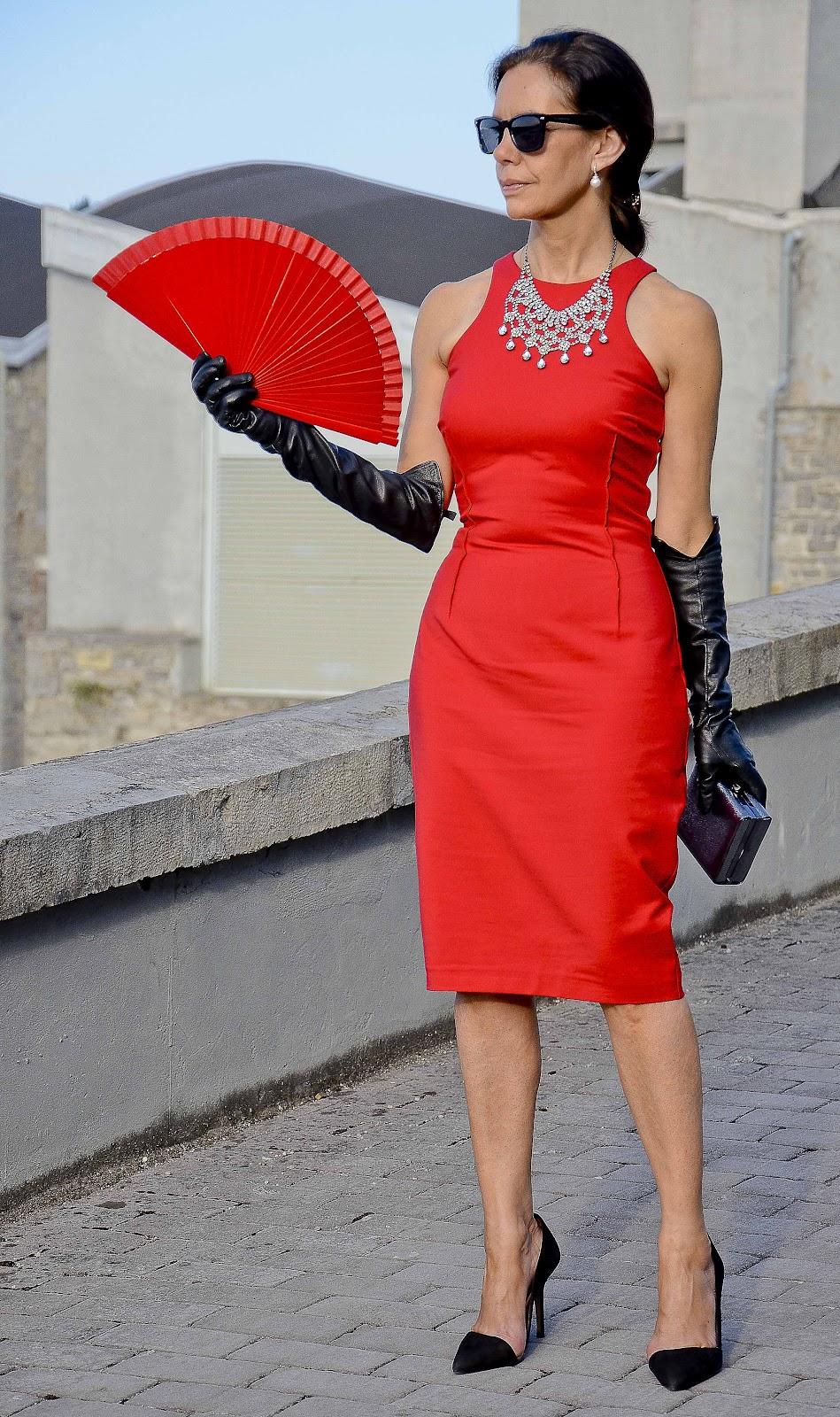 Historia de la mujer del vestido rojo
