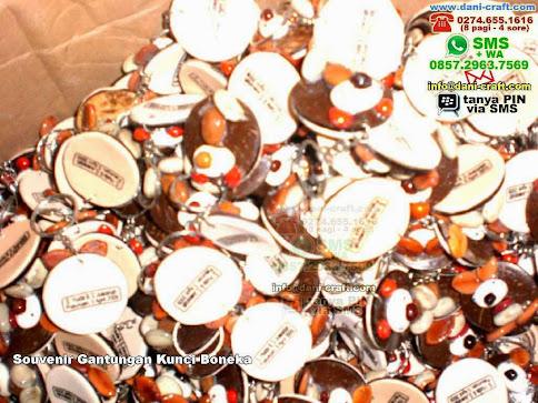 Souvenir Gantungan Kunci Boneka Batok Pasuruan