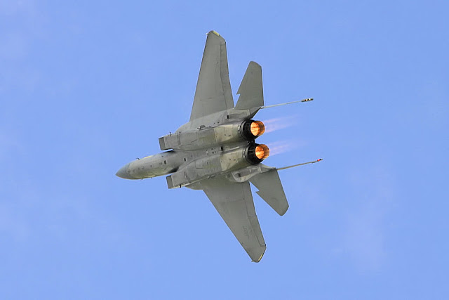F-15 Eagle afterburner turn