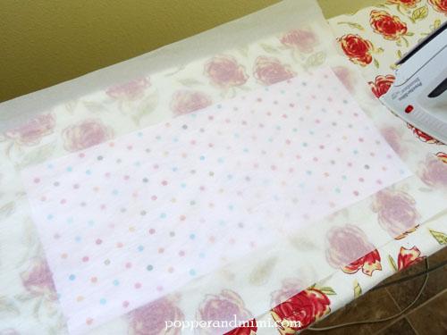 Reusable Fabric Sandwich Bag iron-on vinyl lining | popperandmimi.com