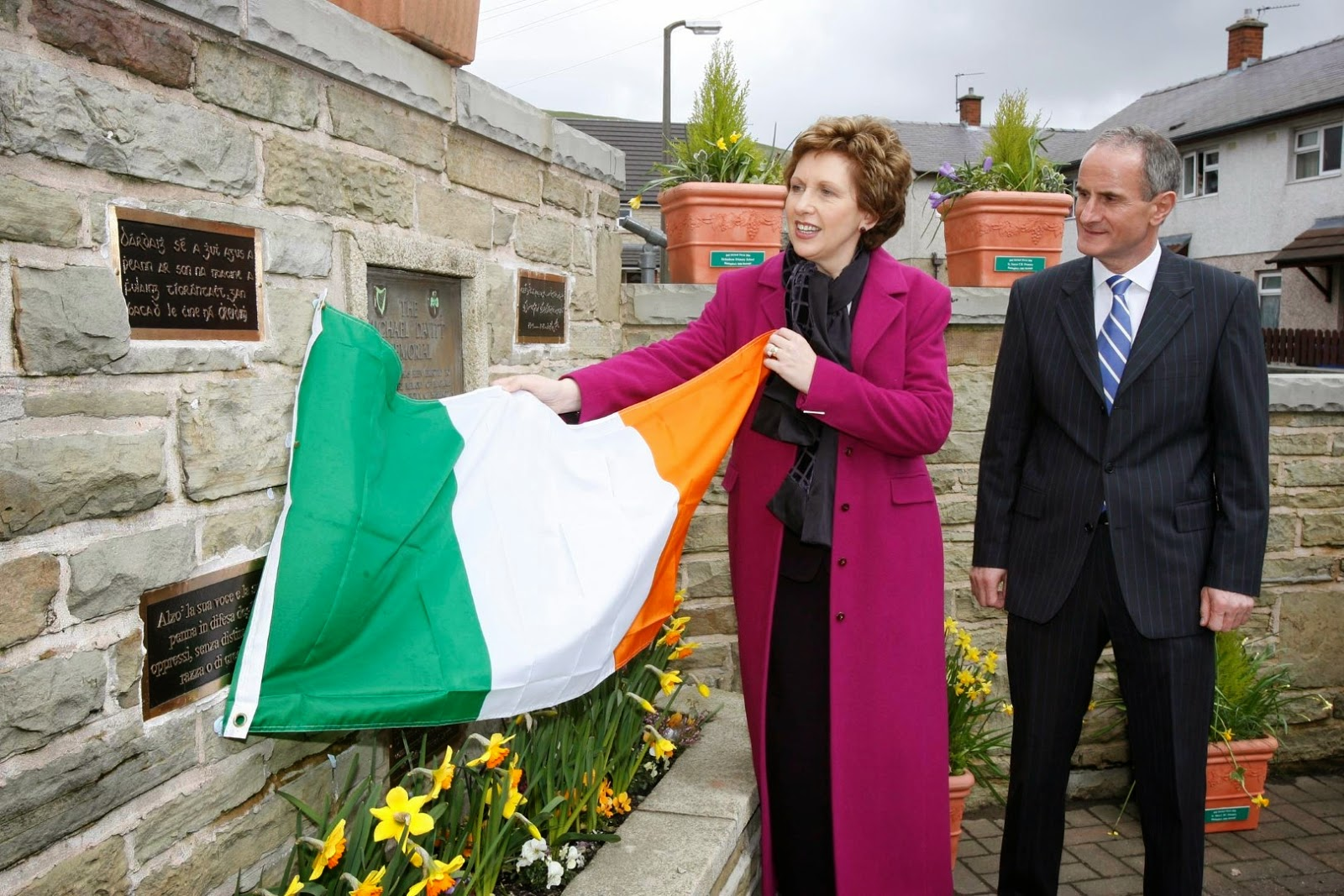 President Of Ireland Mary McAleese Unveiling The Irish Flag To Show The New  Inscriptions At The Davitt Memorial On Wilkinson Street On 12th April 2006  Mr Cavendish I Presume