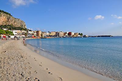 spiaggia Mondello Sicilia