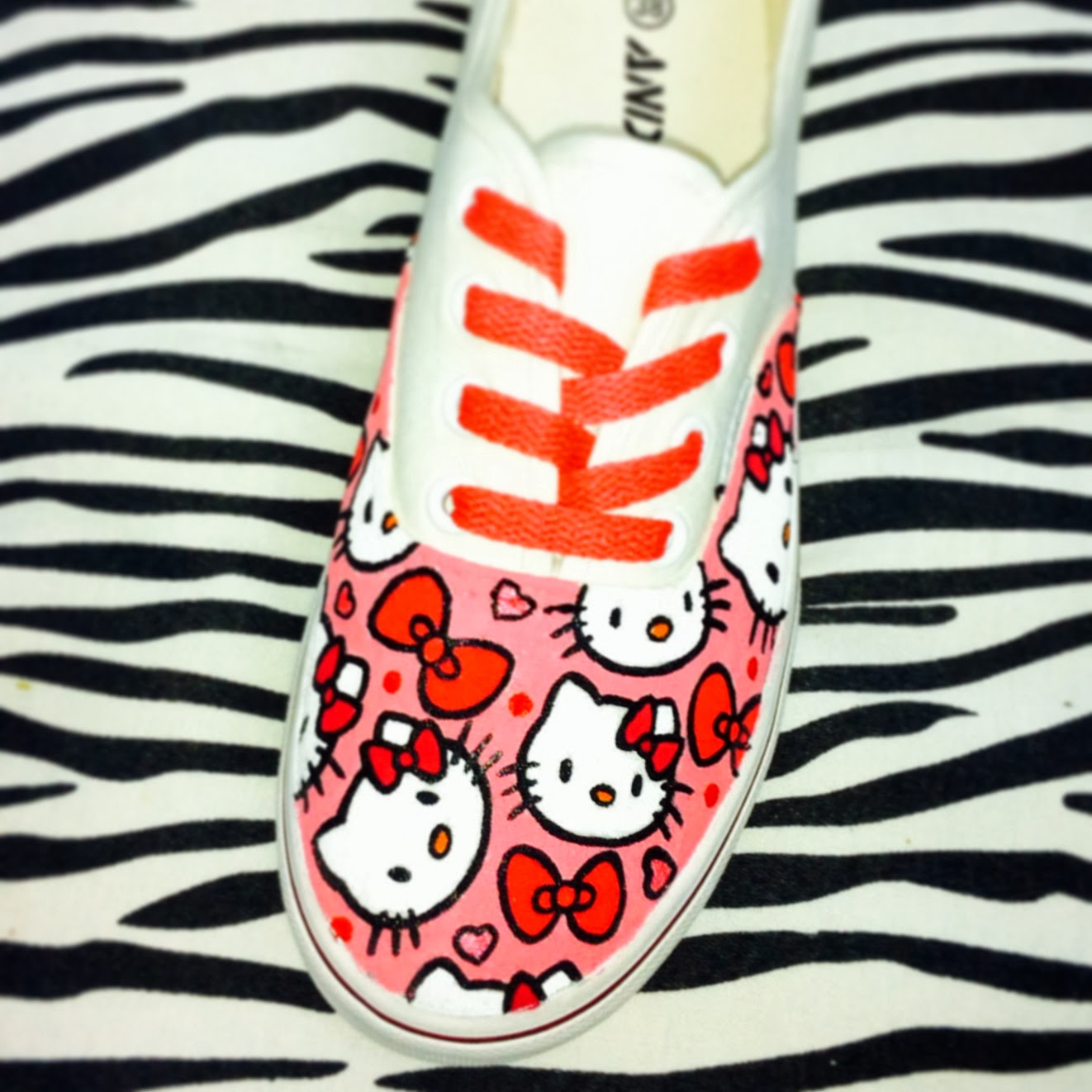 Hello Kitty bambas