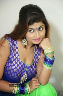 Swapna-Stills-at-Ide-Charu-Tho-Dating-Press-Meet