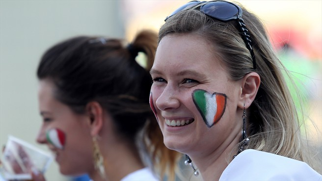 Kumpulan Foto Supporter Seksi Di Euro 2012