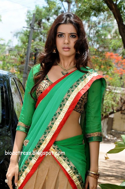south indian hot and sexy actress samantha exposing in saree showing navel