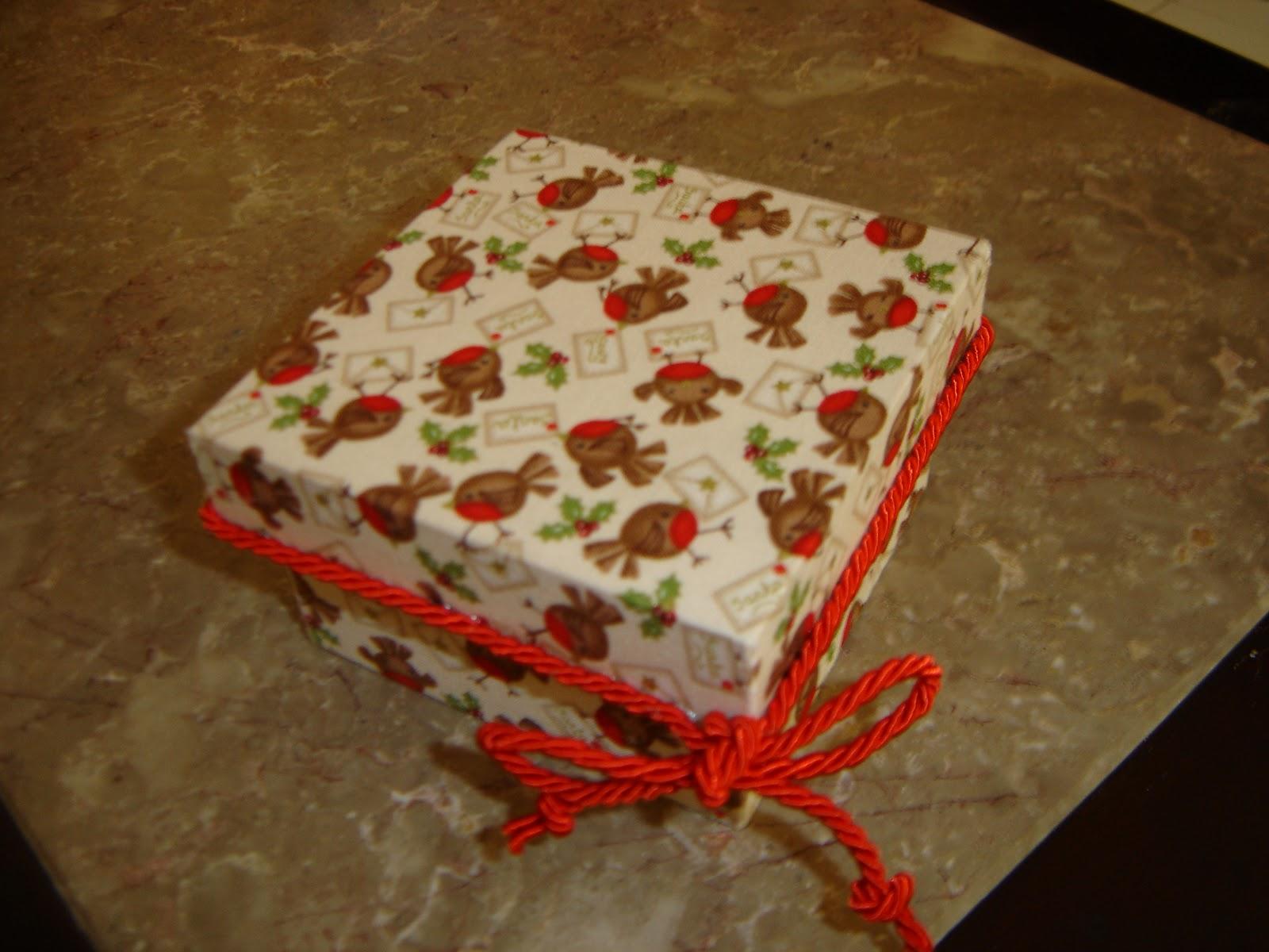 da Alexandra: Cesto de pão e caixas de madeira forradas a tecido #BB1D08 1600x1200