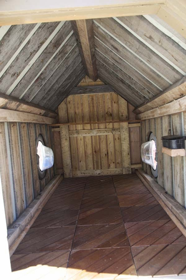 I've Seen People Turn Garbage Into Some Cool Stuff. But THIS…. This Is Absolute Brilliance. - the small shelter gregory built for her was the best house she had in 5 years