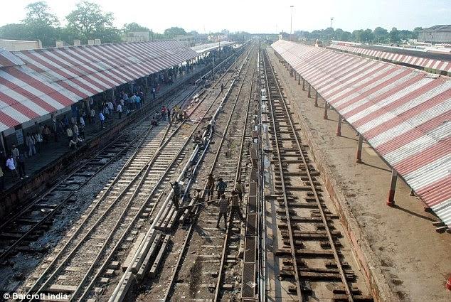 Kmhouseindia world 39 s longest railway platform Longest house in the world