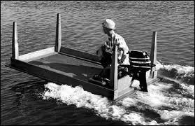 Mesa ao contrario com motor - Barco