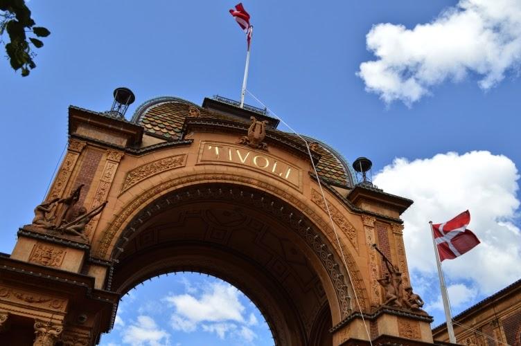 Tivoli, Copenhagen, amusement park, Denmark, Dánsko, zábavní park pouť