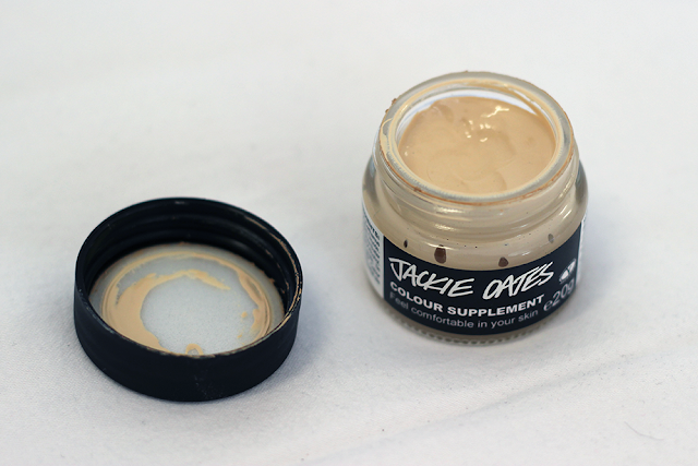 Foundation for pale and dry skin