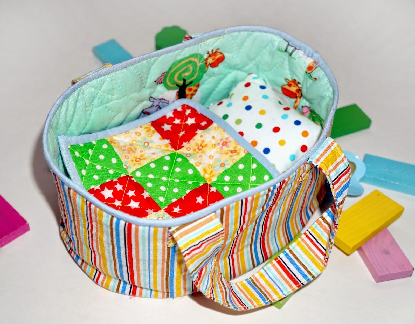 Игрушечная сумка-переноска, или кроватка для пупса.