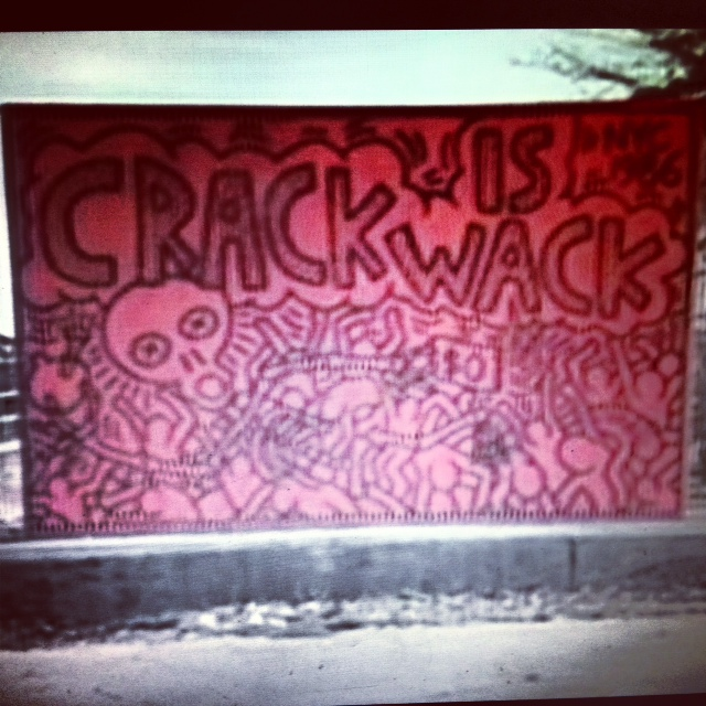 Visual sound keith haring crack is wack for Crack is wack keith haring mural