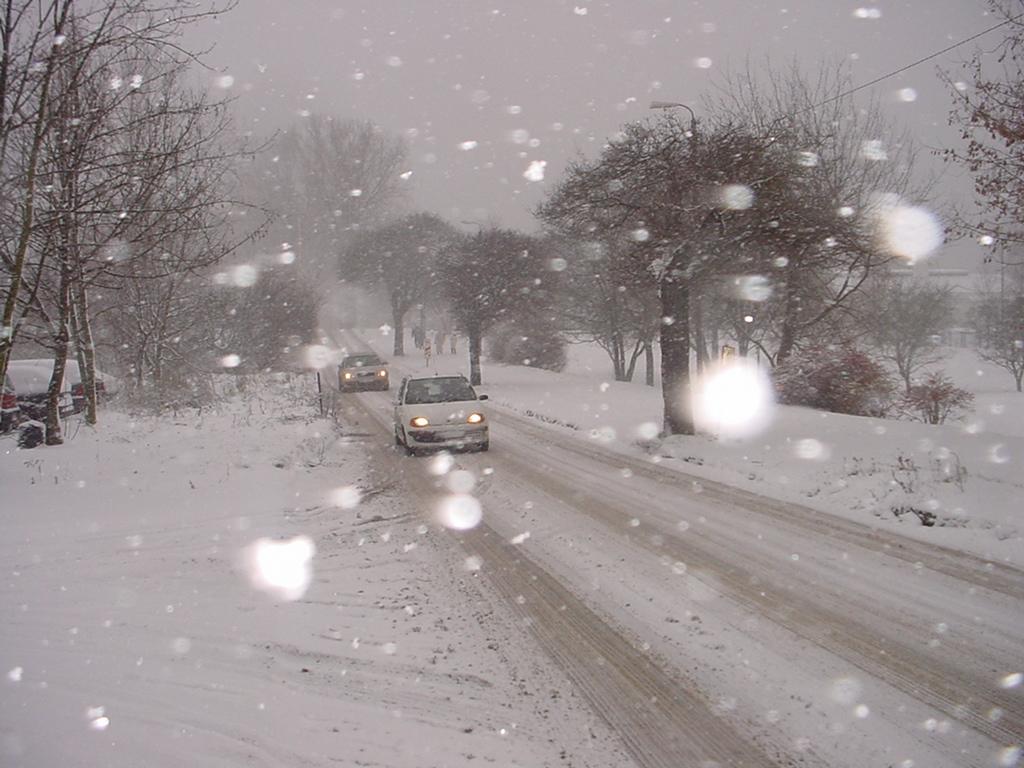 Zimy szybko się nie pozbędziemy; fot. glosyziemi,blogspot.com
