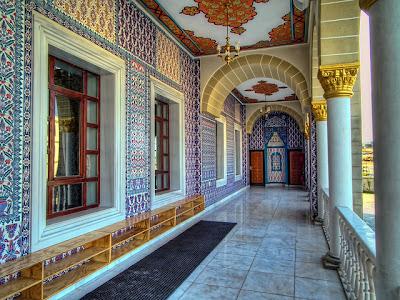 bagian-dalam-masjid-nizamiye-afrika-darussalam-oku-selatan
