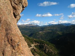 Aullène en Alta Rocca et les aiguilles de Bavedda (Bavella)