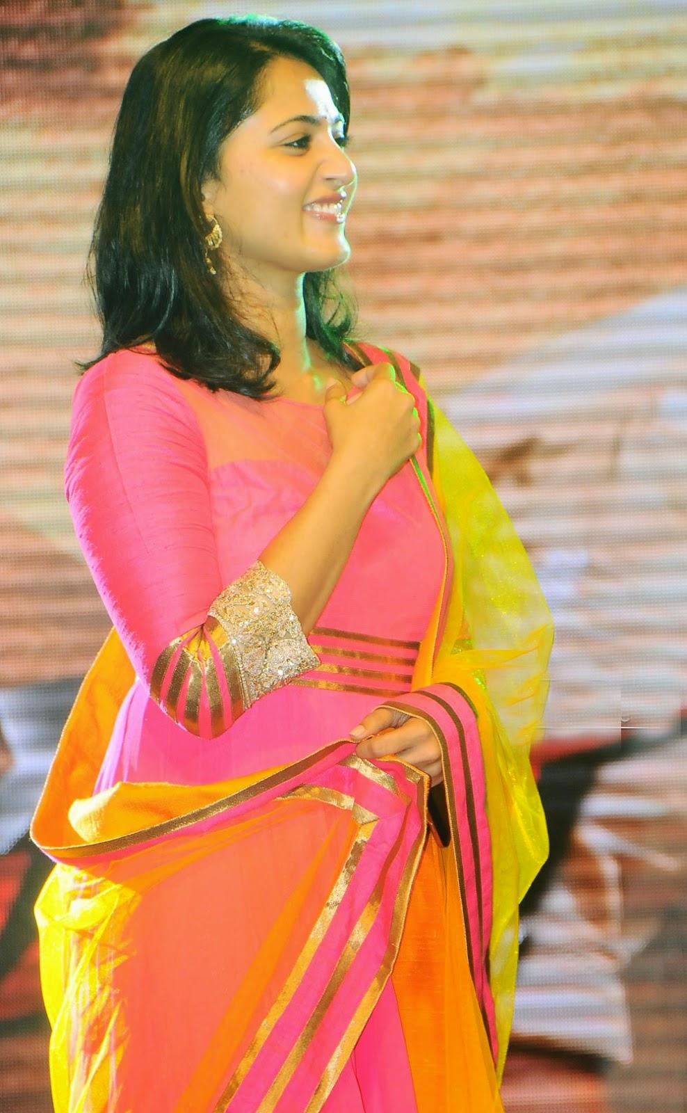 Anushka Shetty Beautiful pics