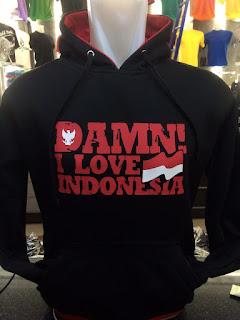 gambar desain terbaru jaket hoodie musim depan foto photo kamera Jaket sweater Damn! I Love Indonesia warna hitam terbaru di enkosa sport toko online terpercaya
