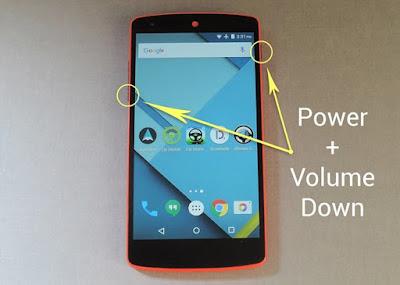 mengambil screenshot dengan menekan tombol power dan volume bawah
