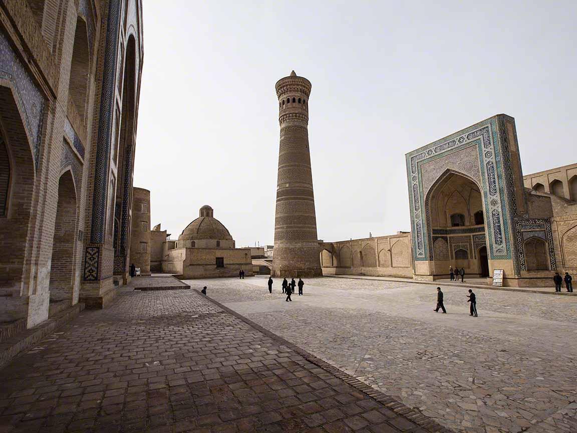 Pesona Kompleks Masjid Kalan Bukhara