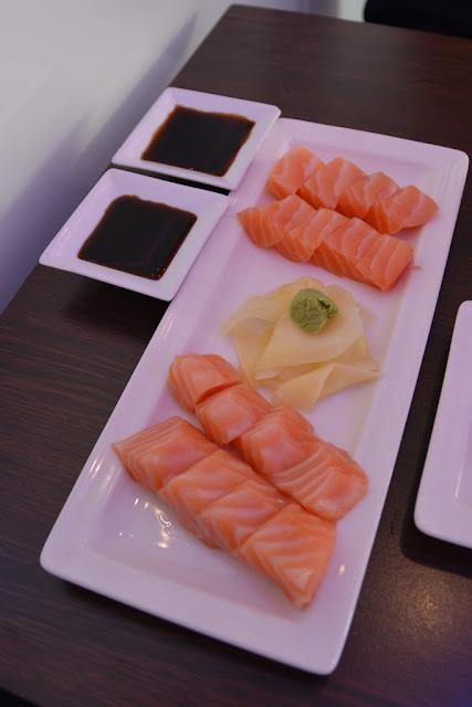 Planet Sushi Marseille salmon sashimi